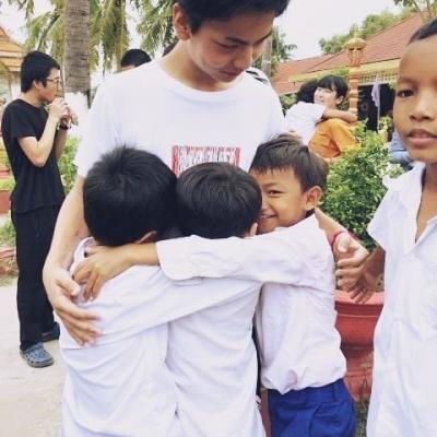 カンボジアでチャイルドケア&地域奉仕活動 R.T.